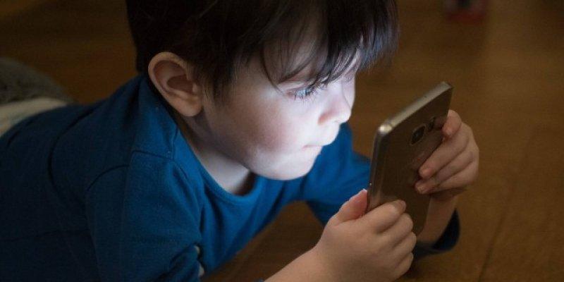 Saiba como proteger seus filhos dos perigos da internet