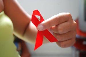 Novo estudo sugere tratamento eficaz para prevenir a transmissão de HIV de mãe para filho