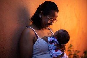 Médicos defendem que grávidas correm perigo maior de Covid e deveriam ter prioridade no tratamento